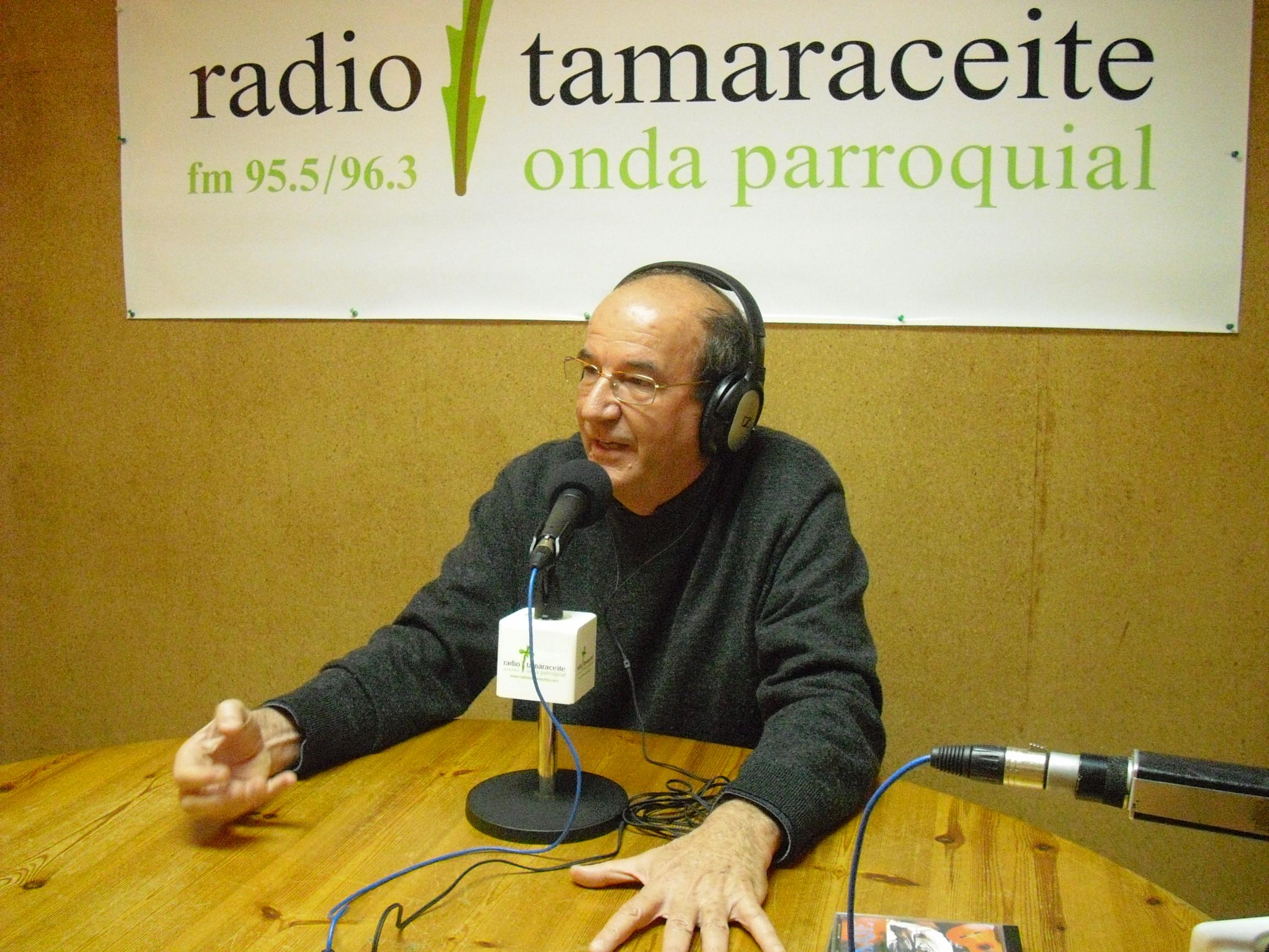 Salvador Santana visita 'El andén'