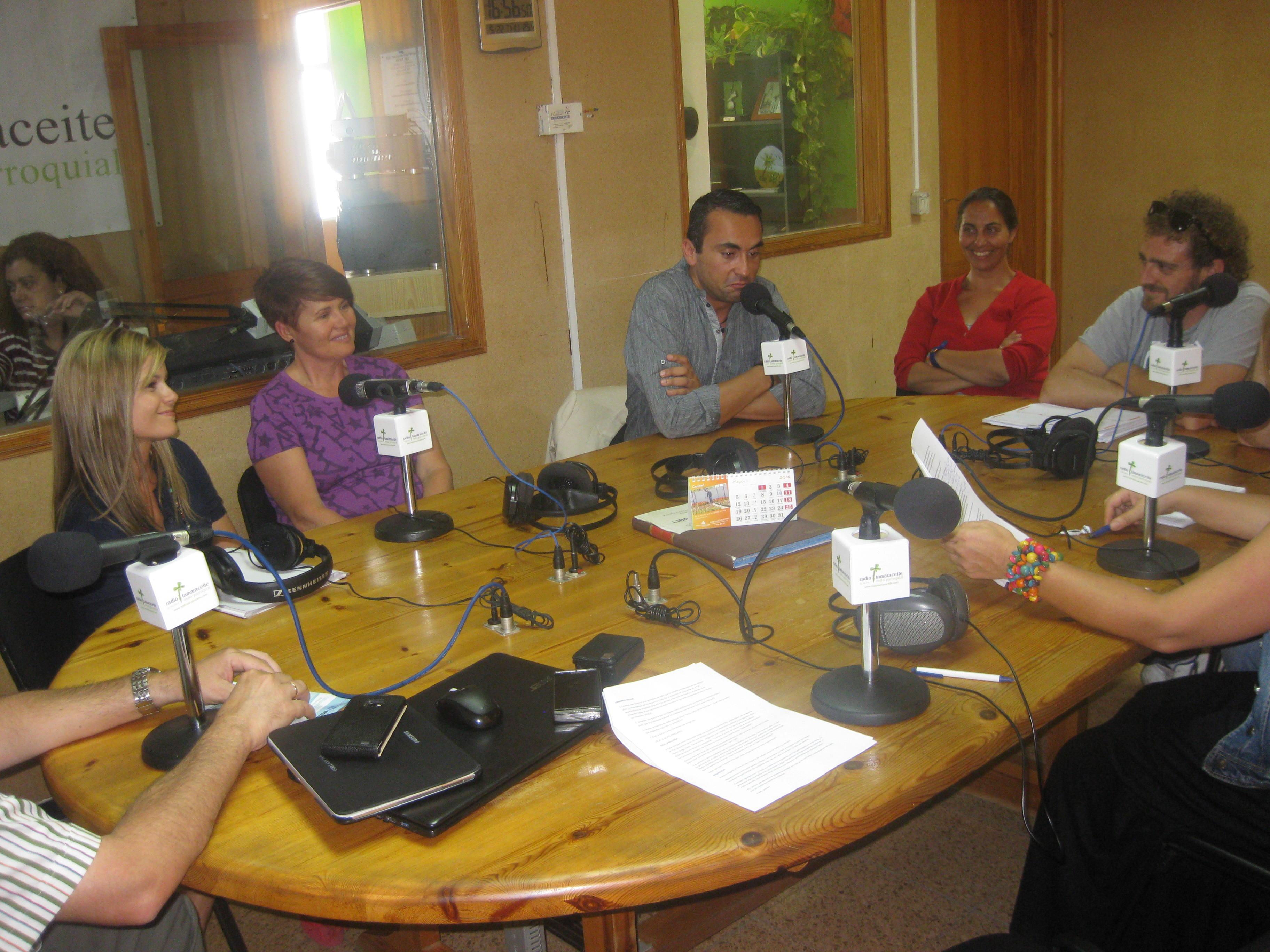 Un grupo de profesores del Seminario de radio del CEP de Telde en nuestra emisora