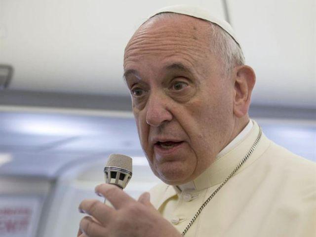 El Papa Francisco condenó el cobro por sacramentos en parroquias