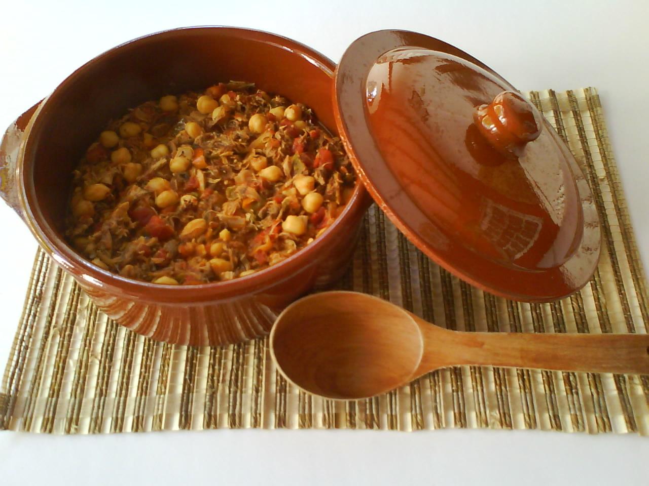 Ropa vieja con sopa de fideos, 'En la cocina'