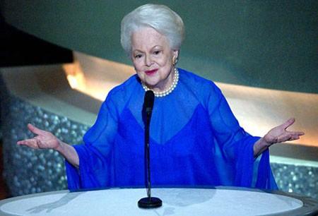 """100 Cumpleaños de Olivia de Havilland en """"Sesión Continua"""""""