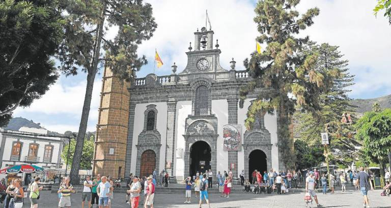 'La casa de la iglesia' entrevista a Óliver Díaz y Néstor Santana